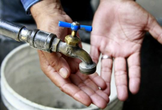 Vecinos de San Diego de los Padres Cuexcontitlán pagan tarifa inferior por servicio de Agua