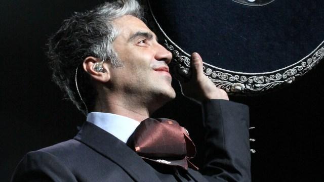 En lugar de Juan Gabriel, Alejandro Fernandez dará concierto en el Zócalo