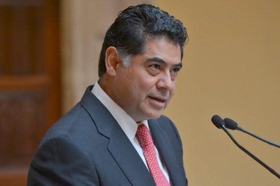 Exgobernador de Durango se ampara ante una eventual detención
