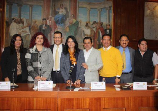 Eduardo Neri participa en el Parlamento Metropolitano del Valle de Toluca