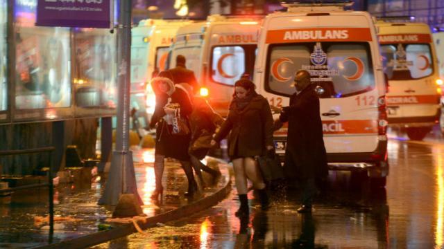 35 muertos en ataque a un club nocturno en Estambul