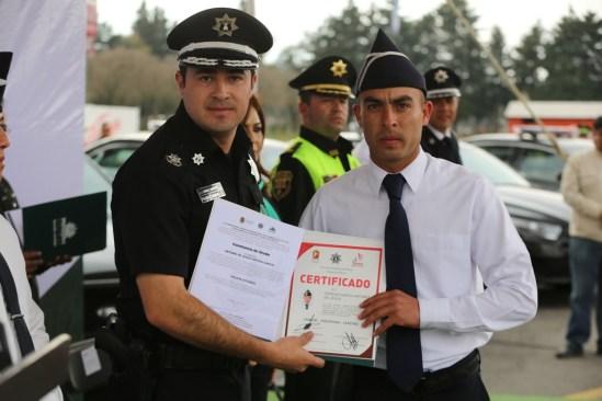 Reconocen a policías de Metepec por su labor