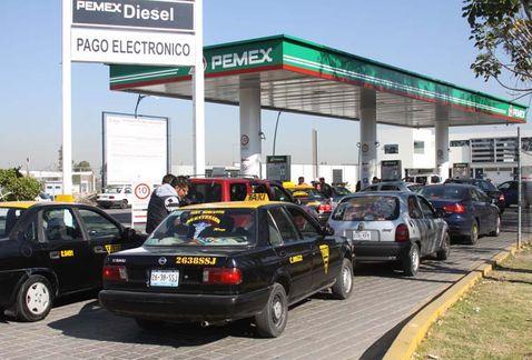Reportan desabasto de gasolina en 5 entidades
