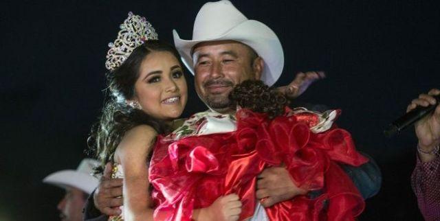 Niega papá de Rubí que su hija recibió regalo de El Chapo