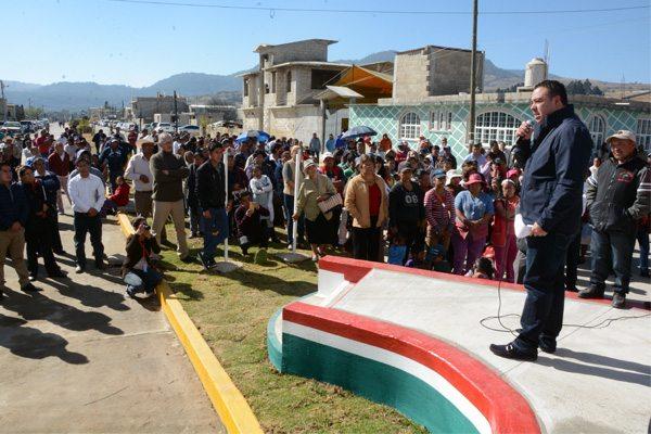 Inauguran tanque elevado de agua en Santa María Jajalpa, que servirá para casi 7 mil personas