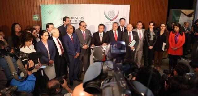 Diputados del PRI respaldan al Presidente Peña Nieto