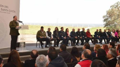 Trabajar en equipo autoridades y padres de familia para fortalecer valores: Eruviel Ávila