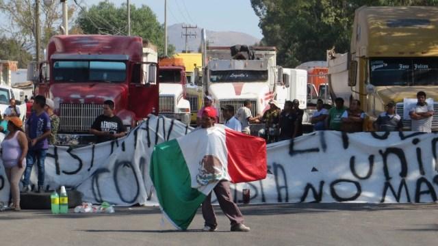 """28 estados paralizados por protestas contra el """"gasolinazo"""""""