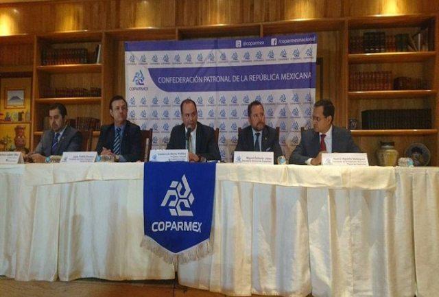 """Coparmex convoca a pacto económico sin """"objetivos políticos"""""""