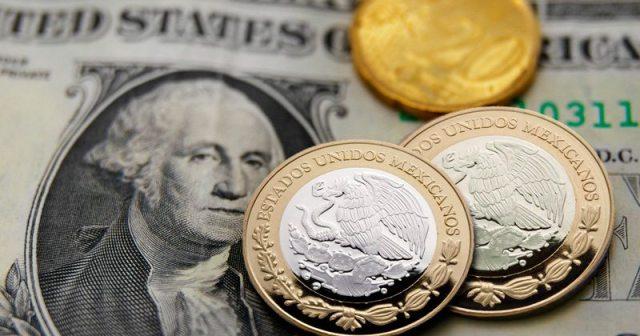 Dólar cede terreno al peso, cierra en 20.83 pesos en bancos