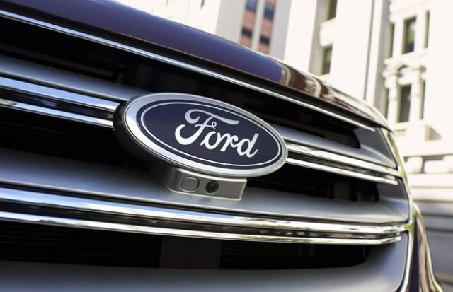 Por cancelar inversión en México, Xcaret y Coconal suspenden compra de vehículos Ford