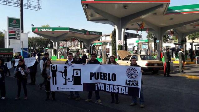 Manifestantes en gasolineras en Calzada de Tlalpan