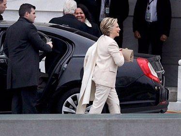Clinton, Bush y Sanders llegan al Capitolio para la investidura