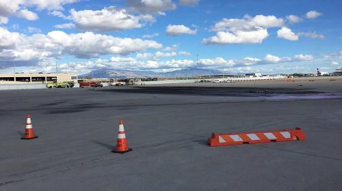 Dos muertos al estrellarse avioneta en aeropuerto de Tucson, Arizona