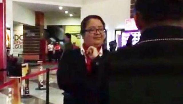 #LadyCinemex agrede a menor por vender mazapanes