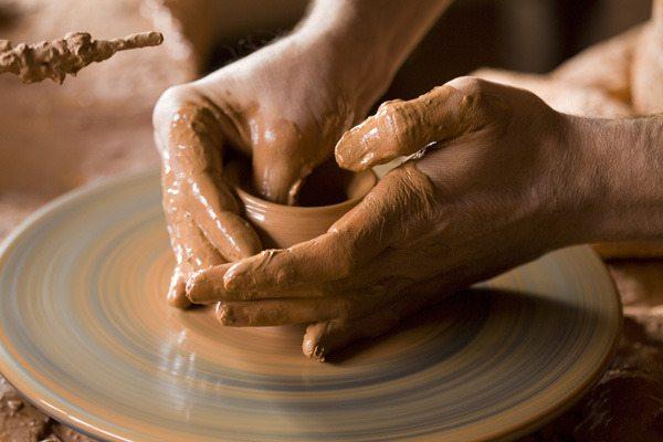 Apoya Metepec a artesanos del barro