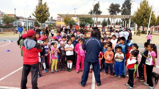 Ayuntamiento de Metepec realiza actividades recreativas en escuelas