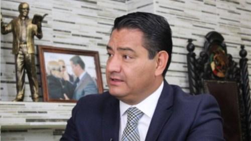 Niega Eduardo Neri haber declinado en favor de Javier Salinas