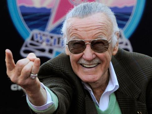 Stan Lee esta delicado de salud, cancela evento
