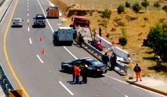 Tres jóvenes muertos en accidente en la autopista Tenango-Ixtapan