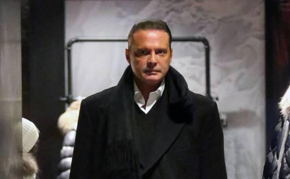 Giran orden de aprehensión contra Luis Miguel