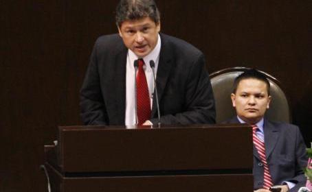 Delegado de SCT de Durango fue arrestado y se da a la fuga