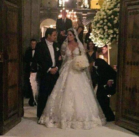 Ximena Navarrete se casa con Juan Carlos Valladares