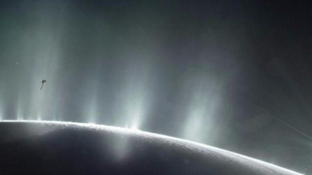 NASA anuncia que luna de Saturno podría albergar vida
