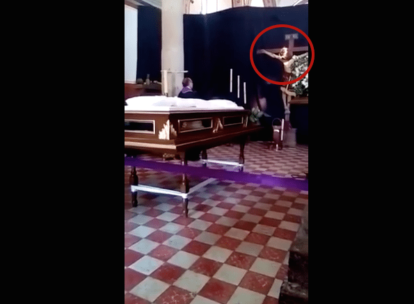 Imagen de Cristo movió la cabeza en plena misa, aseguran fieles