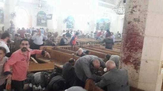 36 personas murieron en dos explosiones en iglesias en Egipto