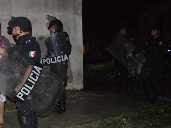 Enfrentamiento en penal de Playa del Carmen deja un reo muerto