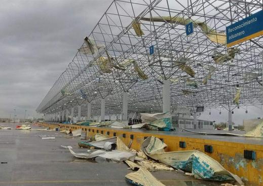 Tornado sorprende a Nuevo Laredo; daña Puente Internacional 3