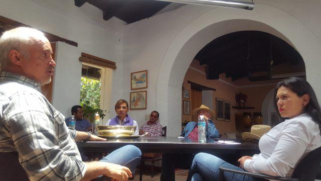 Se suman integrantes de Vamos Valle a candidatura de Teresa Castell