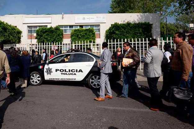 Por falsa alarma de bomba desalojan edificio federal en Toluca