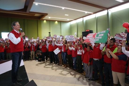 Alfredo Del Mazo reconoce  la labor de los maestros en educación de niños y jóvenes mexiquenses