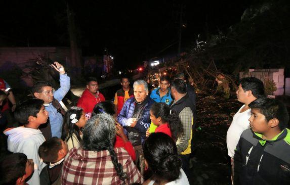 Tromba al menos 41 árboles caídos y 66 viviendas afectadas en Toluca