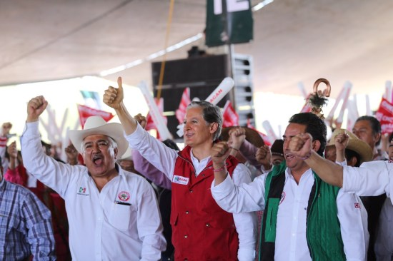 Promete Del Mazo Certeza jurídica a los campesinos mexiquenses