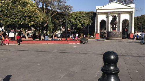 Mantiene cercado el parque Simón Bolívar para evitar comercio ambulante