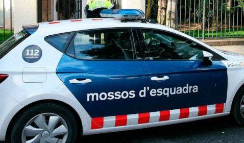 Hombre armado ataca bar en Barcelona, hay un muerto y varios heridos