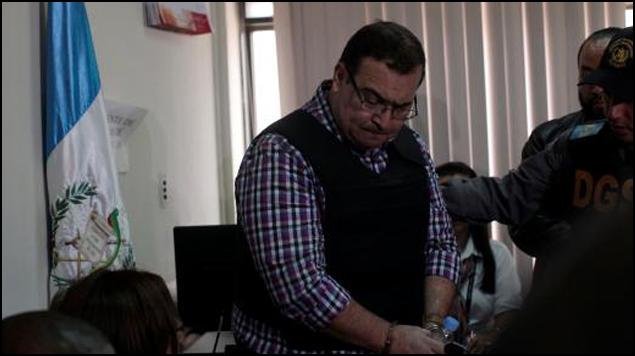 Javier Duarte se presenta a la audiencia en Guatemala