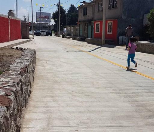 Inauguran calle en Tenango del Valle