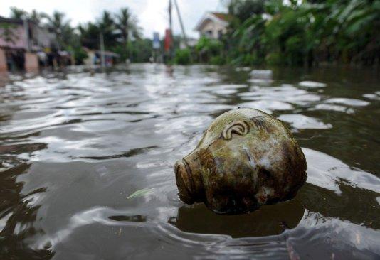 Desaparecen casi 70 pescadores en Bangladesh por el ciclón Mora