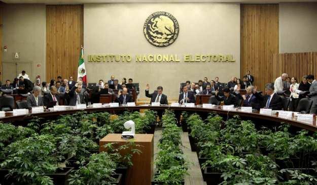 INE pide a los candidatos a no declararse ganadores sin elementos