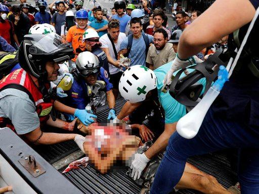 Un muerto y varios heridos deja jornada de protestas en Caracas
