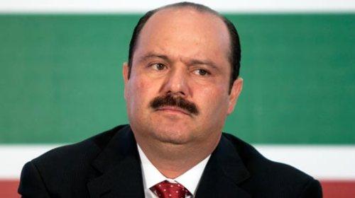 Citan a audiencia al prófugo exgobernador César Duarte
