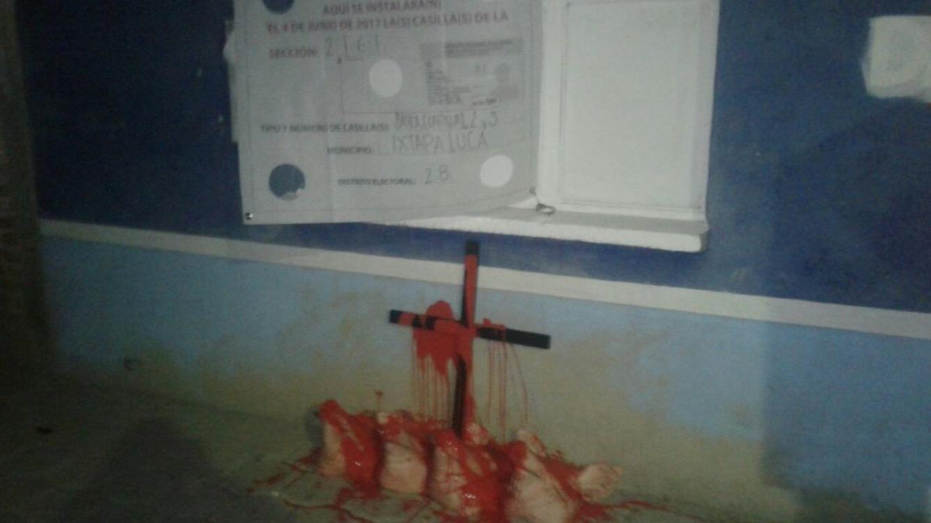 Amenazan a Morena en Edomex con cabezas de cerdo y cruces