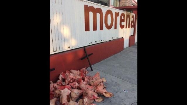 Dejan cabezas de cerdo en sitios donde habrá casillas para votar en Edomex