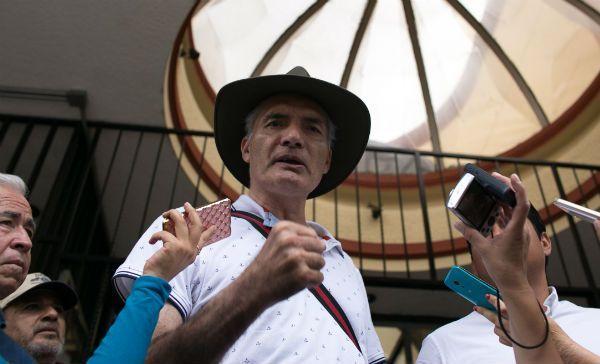 Mireles convoca autodefensas en apoyo a Tepaltepec ante