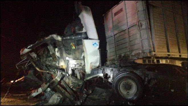 Choque de trailers en la México-Querétaro deja dos muertos
