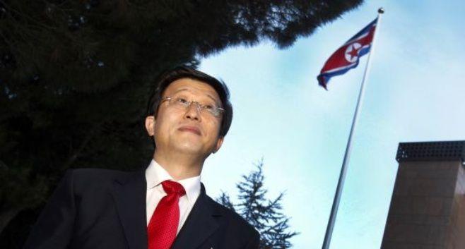 España expulsa a embajador Norcoreano